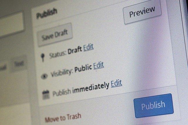 Editorial busca redactores y correctores