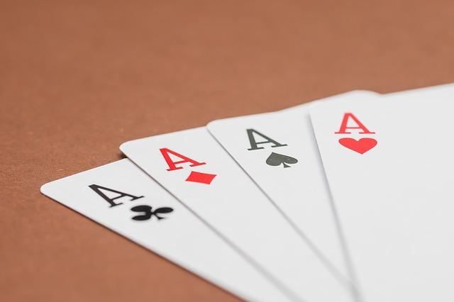 Redactores de poquer
